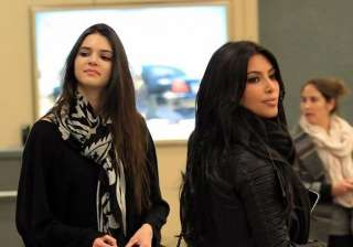 kim kardashian denies she s jealous of sister...