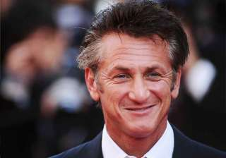 sean penn surprised to be in love at 54 - India TV