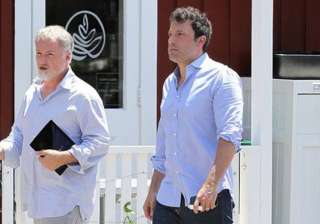 ben affleck david fincher reunite for strangers...