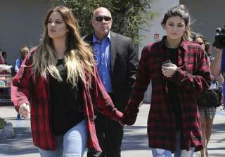 khloe kardashian like a mother to kylie jenner -...