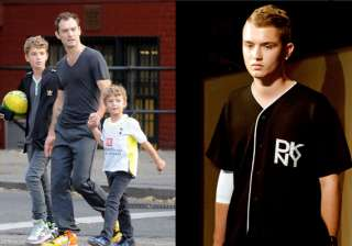 jude law s son makes catwalk debut - India TV