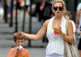 kate hudson s son wants her to ger married -...