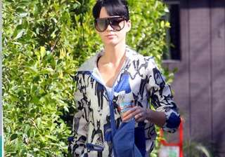 katy perry struggles to understand feminism -...