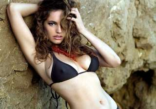 kelly brook to pen autobiography see hot pics -...