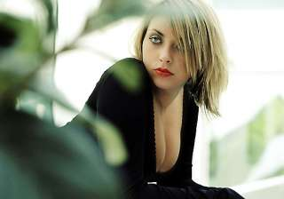looks don t matter for charlotte church - India TV