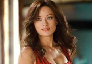 olivia wilde volunteered to strip in drinking...