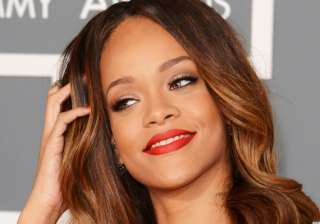 rihanna wins case against uk retailer topshop -...