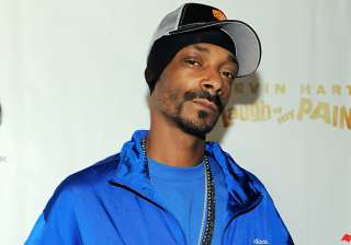 snoop dog hit with minor drug charge in texas -...