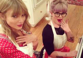 taylor swift kelly osbourne bake cookies - India...