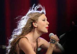 taylor swift seeks love to write songs - India TV
