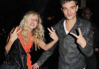 tom parker delays engagement coz of work - India...