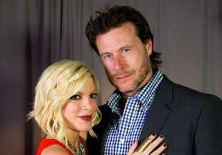 tori spelling can t trust husband - India TV