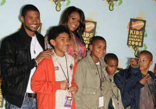 usher not co operative parent ex wife - India TV