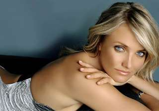 cameron diaz criticised for promoting smoking -...