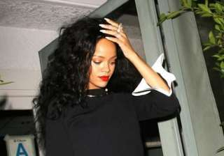 rihanna rents 7 million home in la - India TV