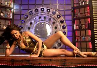 nathalia kaur s steamy number in department -...