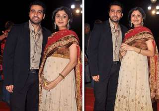 shilpa shetty shows off her baby bump - India TV