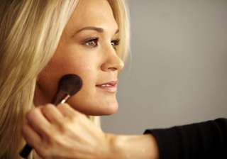 makeup makes carrie underwood feel better - India...