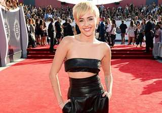 miley cyrus shares her worst make up nightmare -...
