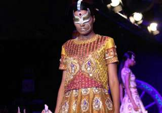 manish arora kitsch collection brings past into...