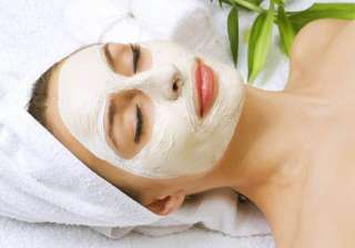 prepare hydrating face masks to stay cool see...