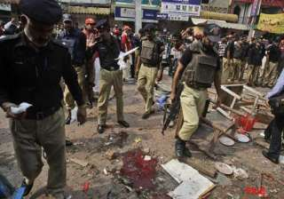 bombing in volatile southwest pakistan kills 10 -...