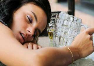 poor sleep may lead to alcohol drug abuse in...