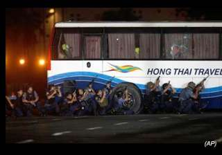 philippines bus hostage crisis ends with 8 dead -...