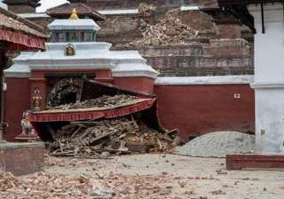 500 year old kathmandu temple turned to rubble...