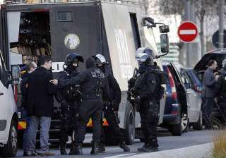 paris post office hostages freed as gunman...