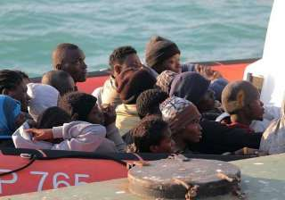 400 feared dead after migrant boat capsizes off...
