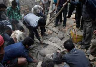 survivors recount nightmare of shaking buildings...