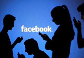 facebook most popular social network survey -...