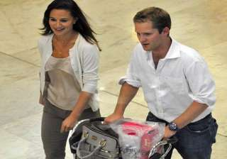 kate s sister goes with ex flame to madrid -...