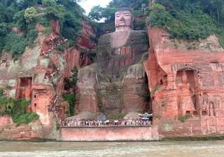 leshan giant buddha the largest stone statue in...