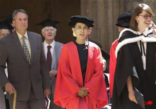oxford honours star democracy icon suu kyi -...