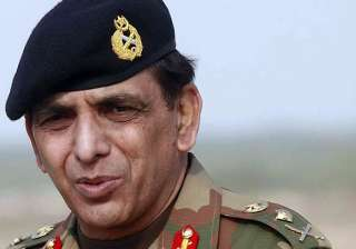 pak army chief gen kayani s brother visits india...