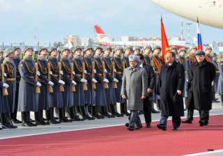 red carpet welcome for manmohan singh as he...