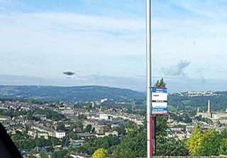 uk man claims to see ufo shows picture that he...