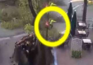 watch video how cyclist in holland barely escaped...