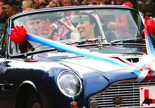 william kate leave for honeymoon at undisclosed...