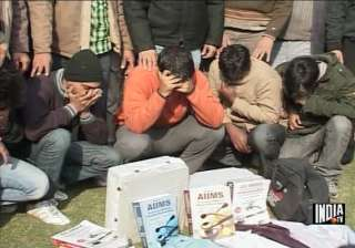 aiims entrance test scamsters were charging rs 25...