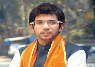 aditya thackeray urges keeping mumbai eateries...