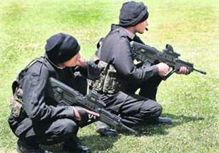 army deploys para commandos to flush out pak...