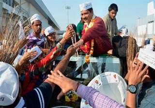 gujarat police stops kejriwal s roadshow for...