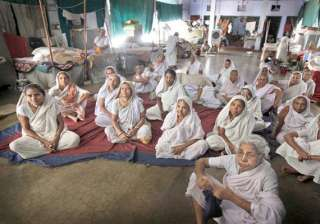 bengali widows from vrindavan return to kolkata...