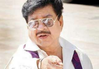 clash in patna over shatrughan s candidature -...