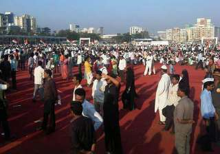 crowds in mumbai dwindle for anna hazare in just...
