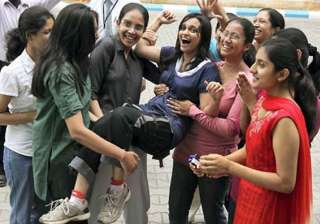 du to provide security cover to girl students -...