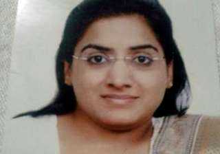differently abled odisha girl clears civil...